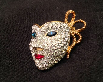 SALE- Swarovski Swan Signed Mardi Gras Mask Pin Brooch- Lots of Sparkle!