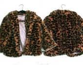 90s Cheetah Print Faux Fur Cropped Jacket (Medium-Large)