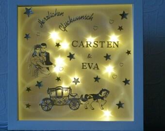 Illuminated wedding picture frame