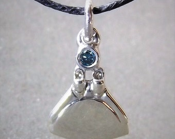 Monofin freediving necklace , white gold and blue diamond pendant.