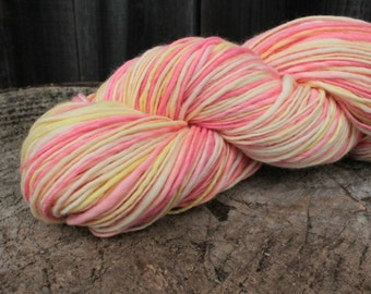 Lollipop - handspun and handdyed merino superwash yarn