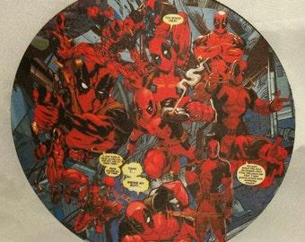 Deadpool comic circle mousepad