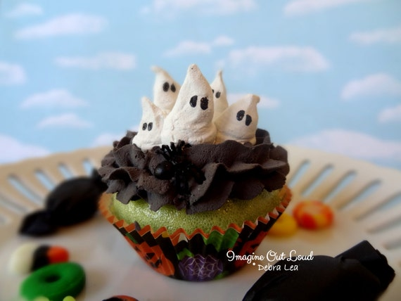 Fake Cupcake Halloween Ghost Family Trick or Treat  Display Decor
