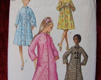 51% OFF Misses' Robe / House Coat 1970 Simplicity Sewing Pattern 9074 Size 12 Bust 34""