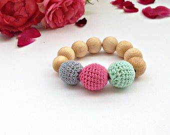Teething Bracelet Wood Crochet Bead Bubuline Nursing Bracelet Eco Friendly Waldorf Toy Montessori Toy Baby shower gift Green Pink Teething