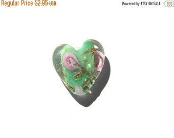 SALE 5 Green Glass Heart Beads