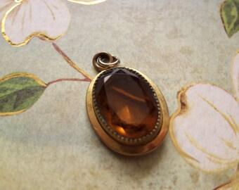 vintage goldtone amber glass sarah coventry pendant