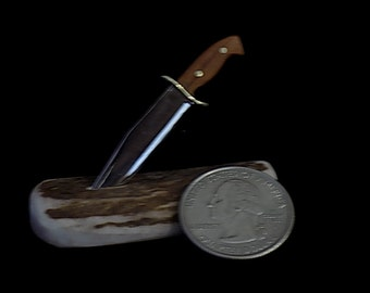 Miniature Bowie knife