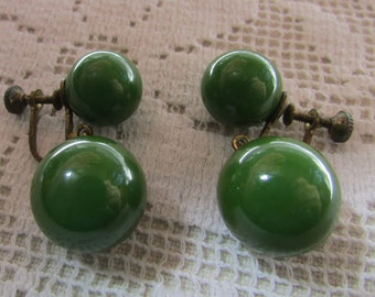 Vintage Bakelite balls  screw on earrings