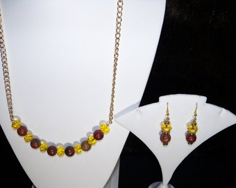 A Beautiful Moukaite Necklace and Earrings. (201635)