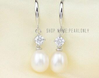Pearl earrings,Bridesmaid earrings,bridal pearl earrings,ivory pearl crystal earrings,rhinestone wedding earrings,drop pearl dangle earrings