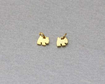 Dog Brass Pendant . Polished Gold Plated . 10 Pieces / C9116G-010