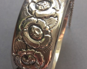 1960's Sterling Silver Flower Bangle