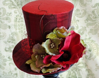 Red Kentucky Derby Mini Top Hat,Tea-party Mini Top Hat,Spring Flower Bridal Mini Top Hat,Derby Hat - Ready to Ship