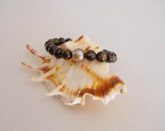 Bronzite Stretchy Bracelet W/Beige Freshwater Pearl Made In Hawaii