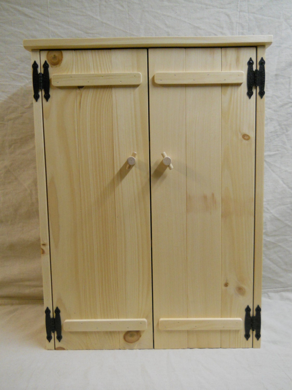 Https Www Etsy Com Listing 264392045 Knotty Pine Bathroom Cabinet
