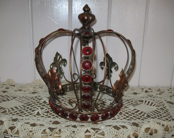 Vintage,French Fleur Di Lis Metal Kings Crown of Ruby Red Jewels...