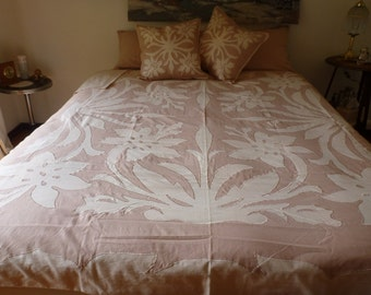 Hibiscus Applique Embroidered Quilt Cover Set - King Size