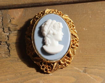 Vintage Gold Tone Cameo Brooch Costume Jewelry
