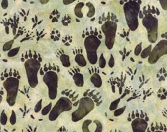 Hoffman Fabrics Leaf Paws Wildlife Tracks Bali Batik Fabric by the Yard F2280-178-Leaf