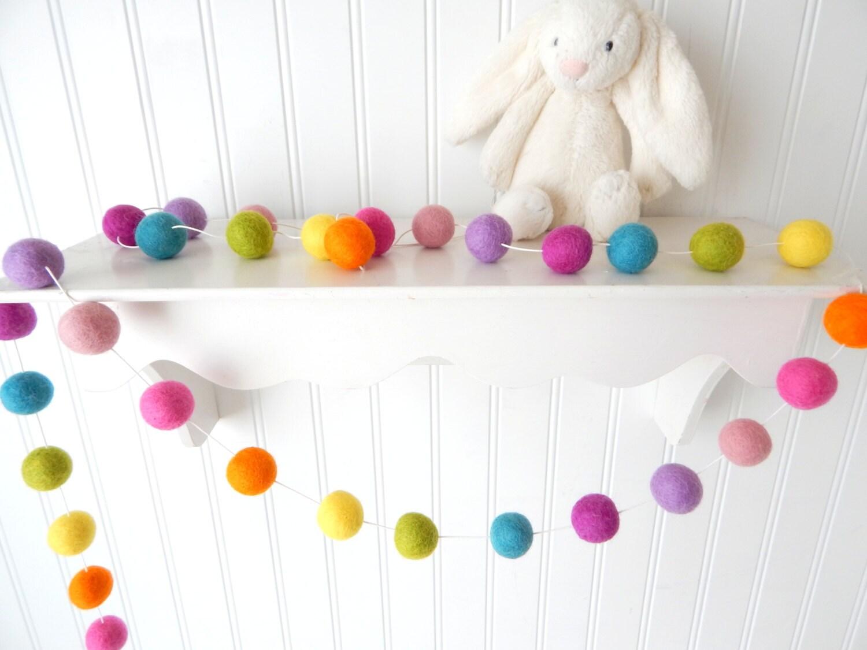 Felt ball garland garland girl nursery decor pom pom for Pom pom room decor