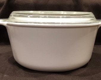 """Corning Ware * 2.3 liter white round casserole - M-225-B, 2.3 liter""""  HTF"""