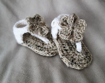 Crochet Baby Girl Sandals/ Oatmeal with White/ Flowers- Baby Shower Gift