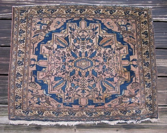 Antique Persian Sarouk rug Iran ca.1880 Farahan Josan 29.5x24in #3334