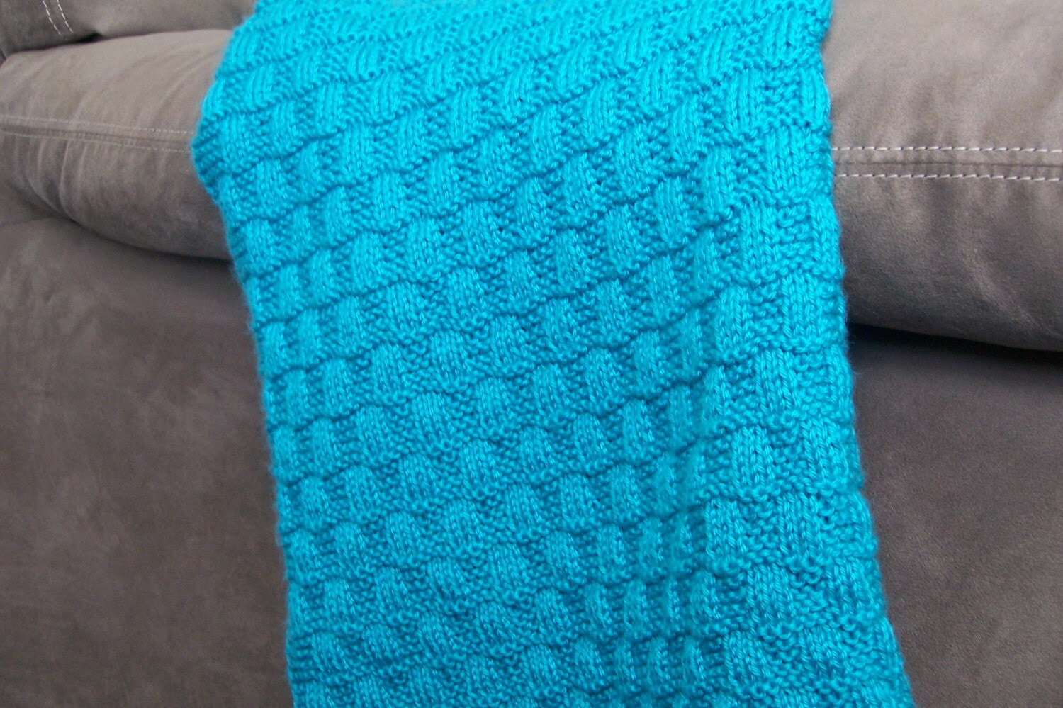 Knit Pattern Wavy Checkerboard Baby Blanket From