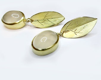 Moonstone Earrings 18k gold