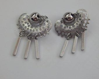 Vintage Sarah Coventry Earrings Silver Tone Vintage Clip On Dangle Earrings Signed Sarah Coventry