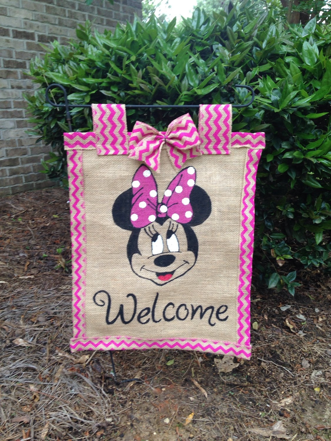 minnie mouse garden flag. Black Bedroom Furniture Sets. Home Design Ideas