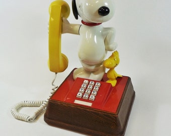 Vintage 1970's Snoopy & Woodstock Peanuts Push Button Telephone Works