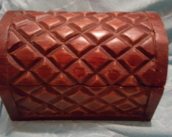 Hand Carved Wood Trinket Box / Jewelry  Box With Basket Weave Design