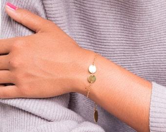 gold disc nameplate monogramm personalized bracelet, mother sister best friend bracelet, initial disc charm bracelet, costum name braclet