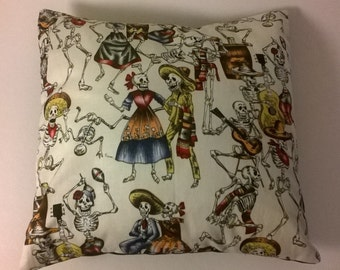 """Mexican Day of The Dead cushion cover 12 """" × 12 """" Cream and Black"""