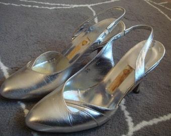 vintage GUCCI silver slingback heels size 35 M ( 5 )