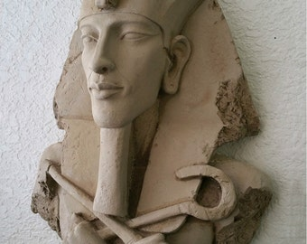 History Egyptian Pharaoh AKHENATEN Sun god Sculptural wall relief bust Neo-Mfg 14""