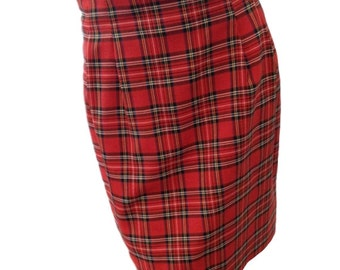 SALE: Plaid Red Vintage Mini Skirt (Size 8)