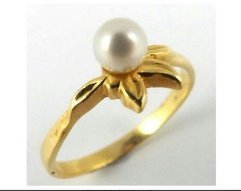 18K Gold Pearl Flower Ring, Size L