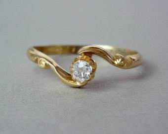 A Art Nouveau Diamond Ring