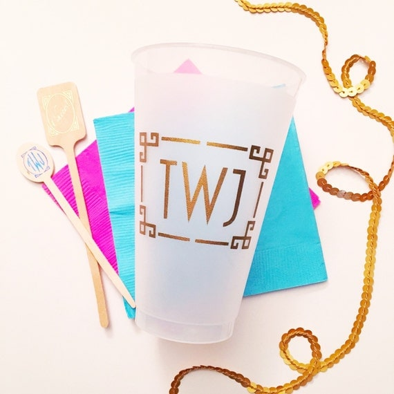 Personalized wedding cups, monogrammed reception cups, custom shatterproof cups, monogrammed plastic cup, party favor, wedding cup favors