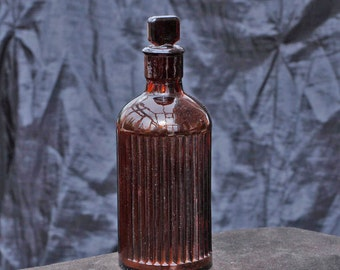 Brown Glass Apothecary Bottle with Ground Glass Stopper
