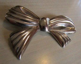 Sterling Silver Repousse Bow Pin from Mexico