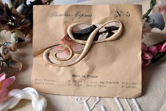plumetis express coudre lettre s poque 1910. Black Bedroom Furniture Sets. Home Design Ideas