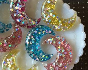 40mm Glitter Moon Pendant - Kawaii Moon Cabochons - 4 pcs - Resin Decoden Cabochons