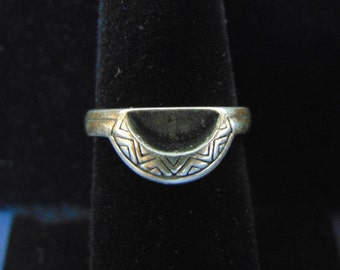 Womens Vintage Estate .925 Sterling Silver Southwestern Ring 3.6g, E2437