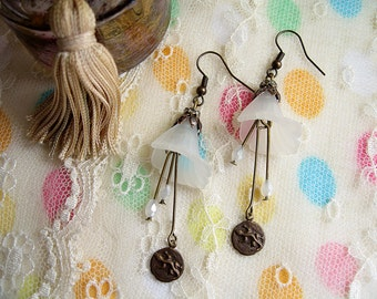 Bohemian earrings frosted flower and charm lizard