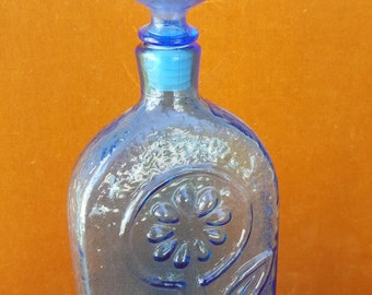 Vintage Italian Empoli decanter with embossed flower