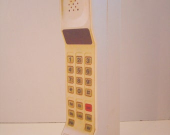 1980s/1990s Style Vintage Brick Cell / Mobile Phone Toy / Prop - Motorola DynaTAC Commnet.